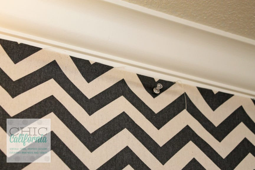 DIY faux wallpaper using fabric and starch