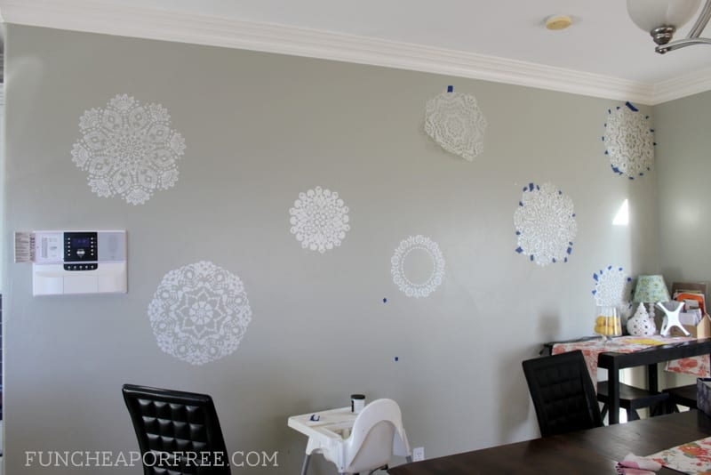 Easy wall stenciling