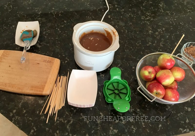 SUPER simple & delicious caramel apple bar - perfect for a family treat, or entertaining in the fall! From FunCheapOrFree.com