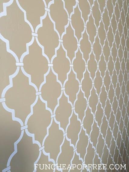 DIY quatrefoil wall stencil tutorial from FunCheapOrFree.com