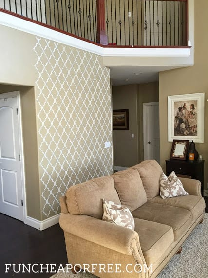 DIY wall stencil, quatrefoil accent wall from FunCheapOrFree.com