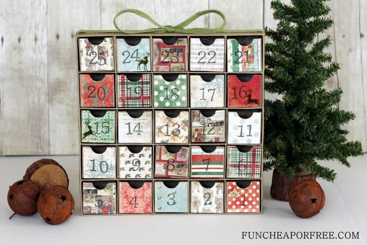 DIY Advent Calendar...all you need is scrapbook paper! Fun Cheap or ...