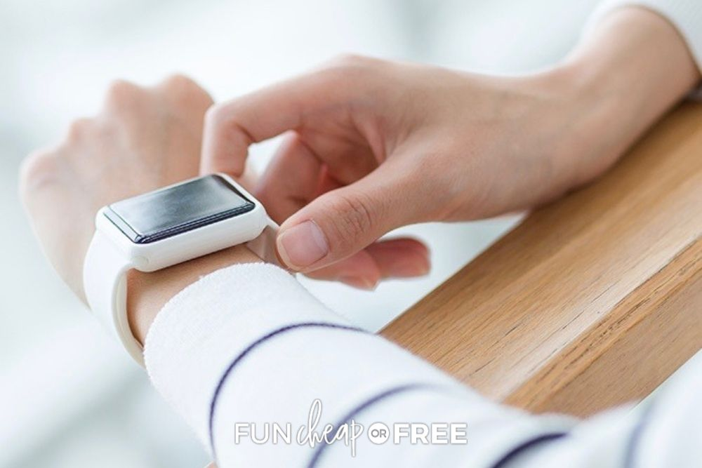 setting timer on smart watch, from Fun Cheap or Free
