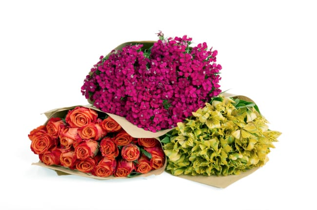 fresh flower bouquet subscription - such a great gift idea!!