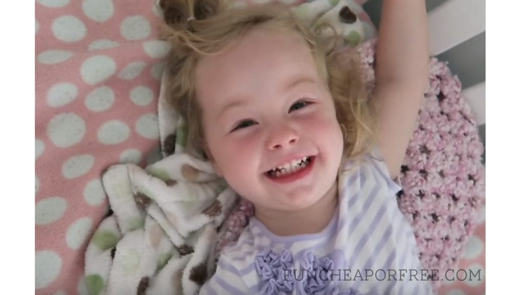 Tips and tricks to get your kids to nap at the same time, everyday! www.FunCheapOrFree.com