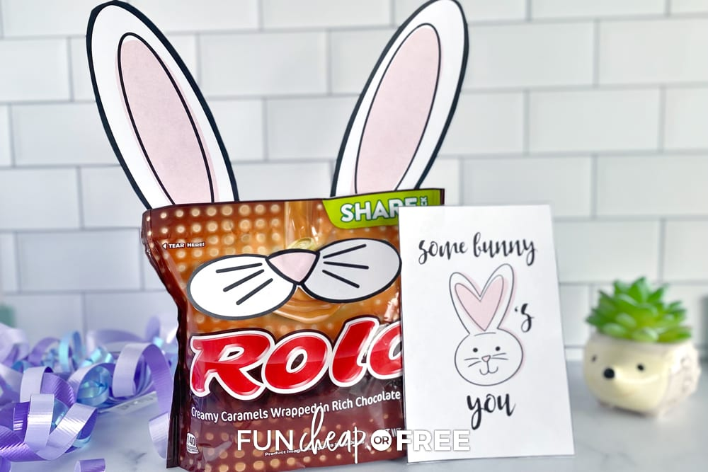 some bunny loves you printable and candy, from Fun Cheap or Free