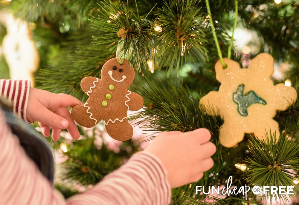 Make your own Christmas ornaments - Holiday bucket list ideas from Fun Cheap or Free