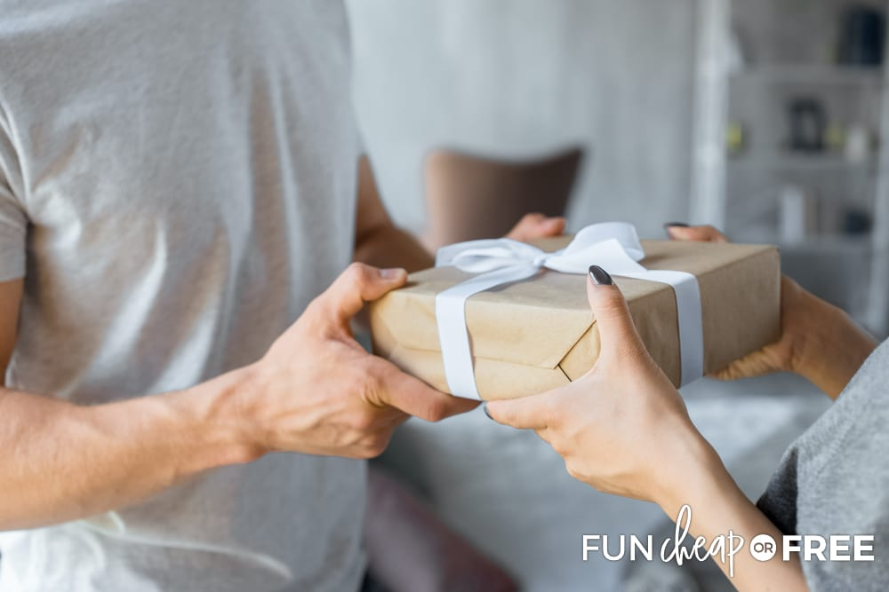 How to save money on gifts - Tips from Fun Cheap or Free