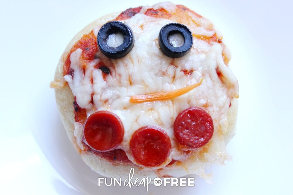 Snowman pizza on a plate, from Fun Cheap or Free