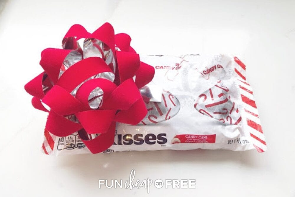 Hershey's kisses in a bag with a red Christmas bow, from Fun Cheap or Free