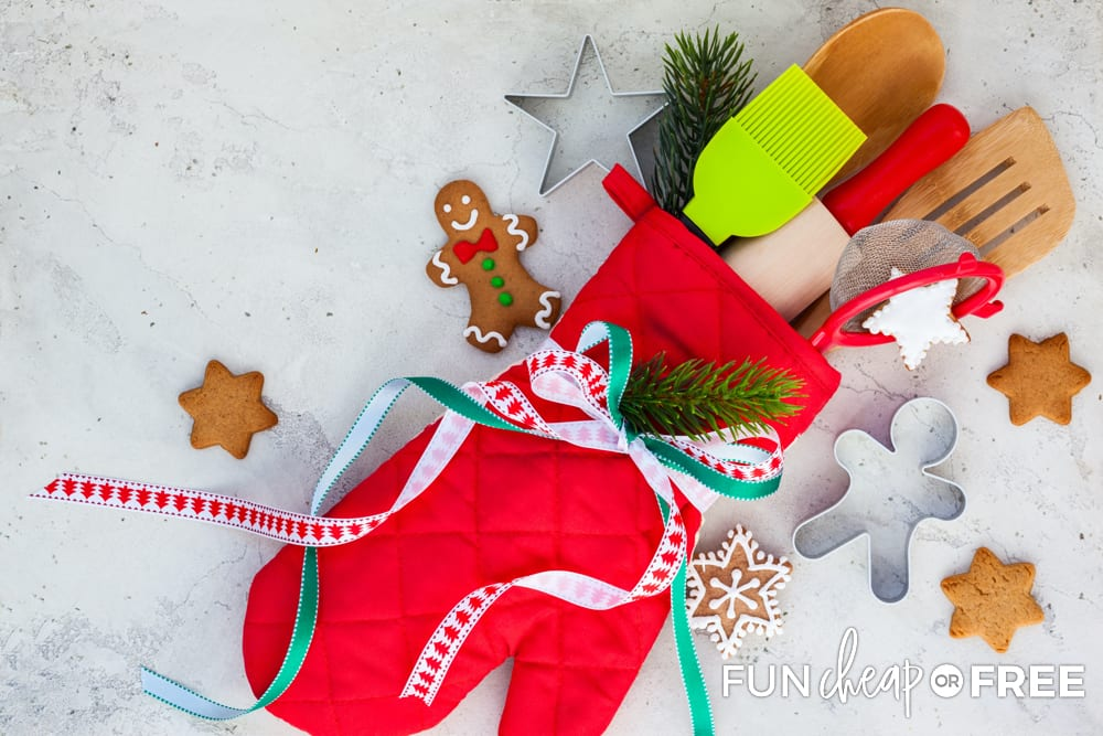 Oven mitts make cute gifts - Ideas from Fun Cheap or Free