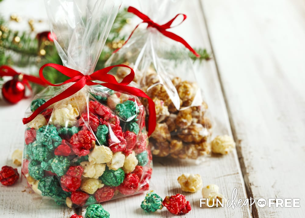 Homemade caramel popcorn is a great neighbor gift idea - Cheap gift ideas from Fun Cheap or Free