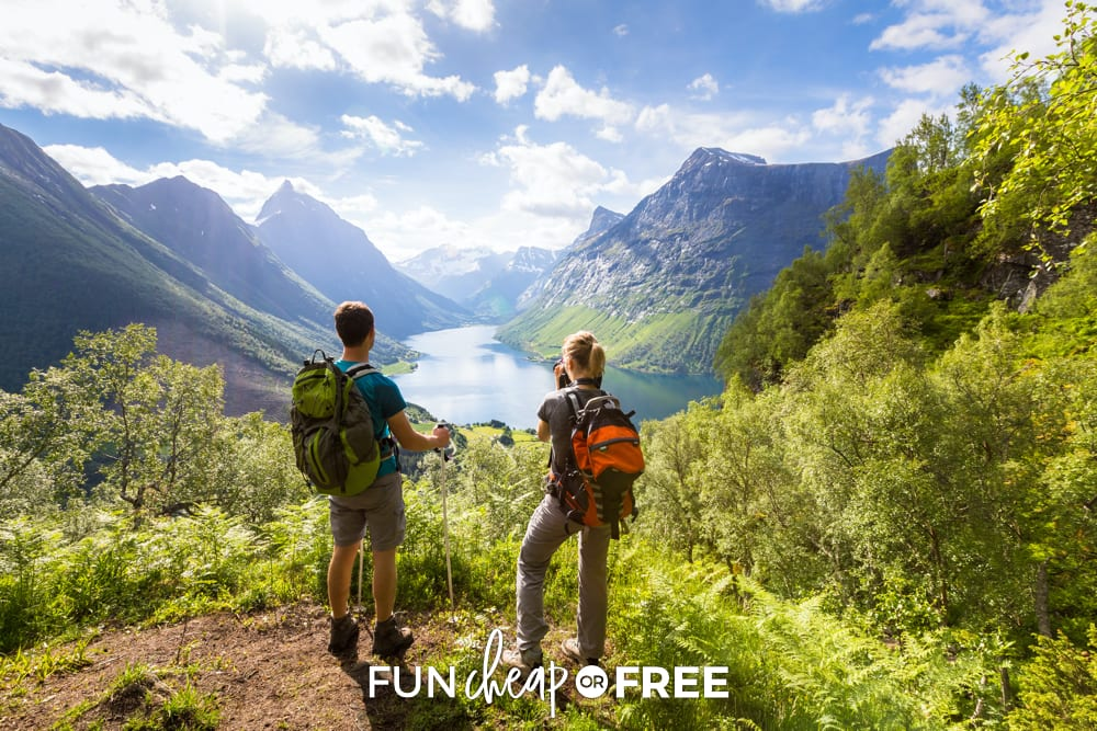 Go hiking with your sweetie for a fun and free date night! Ideas from Fun Cheap or Free