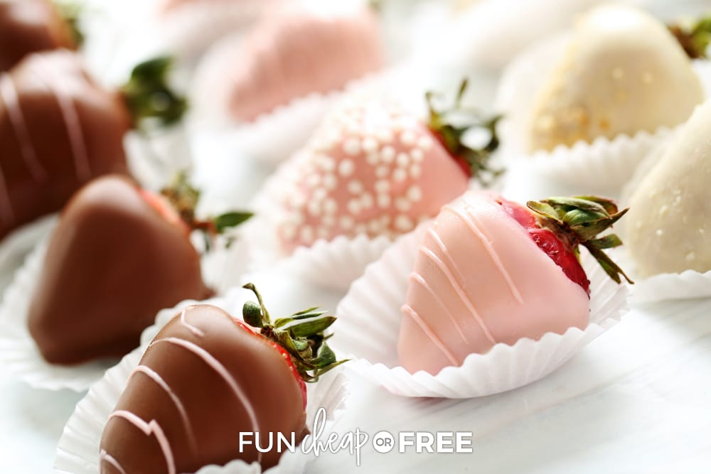 Chocolate covered strawberries are the perfect easy Valentine's Day snack that all kids (and adults!) love! Ideas from Fun Cheap or Free