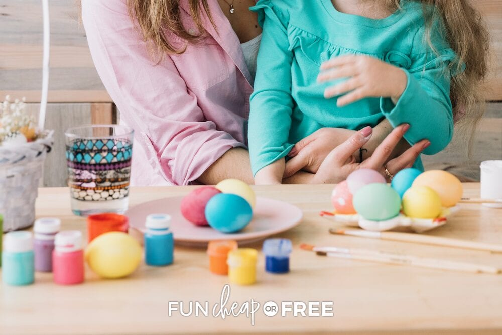 family dying eggs, from Fun Cheap or Free