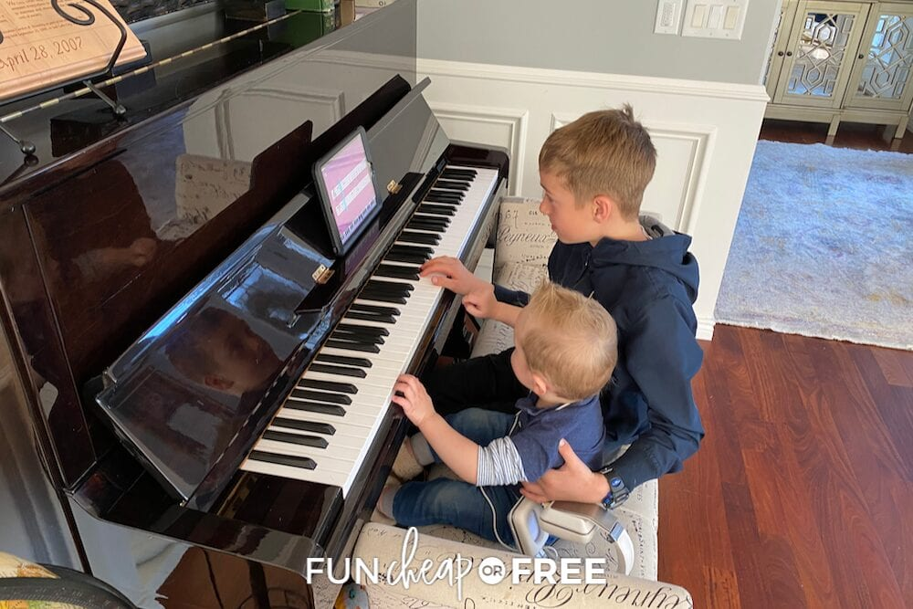 kids playing the piano together, from Fun Cheap or Free