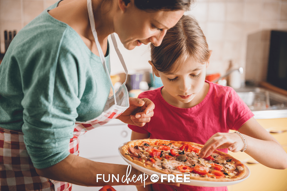 Have fun even on the gloomy days with these rainy day activities for kids. Get them from Fun Cheap or Free!