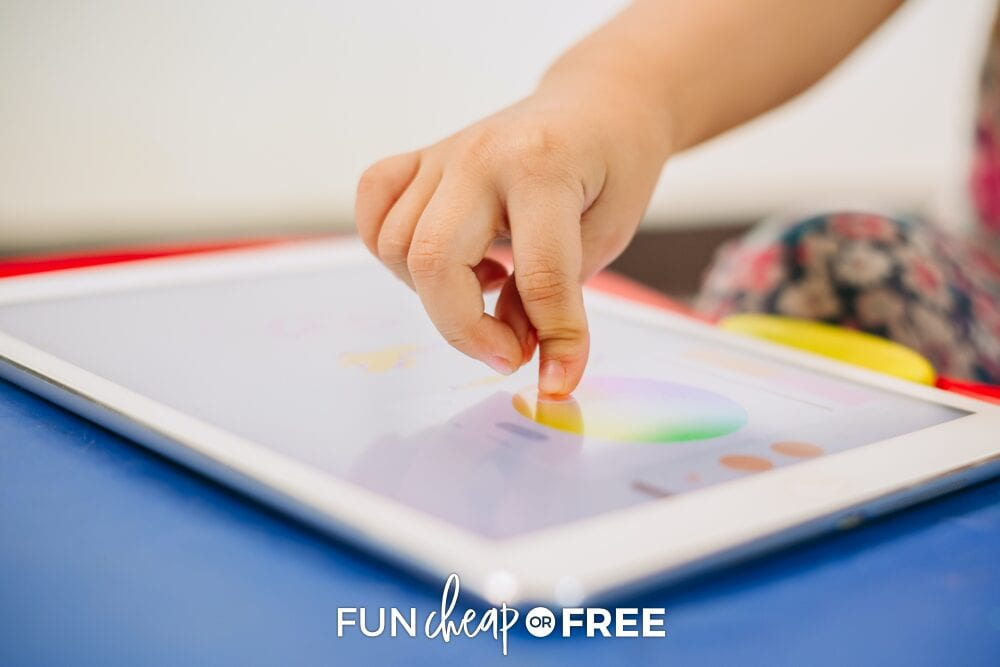 Apps on the phone or tablet make great resources for kids! Ideas from Fun Cheap or Free