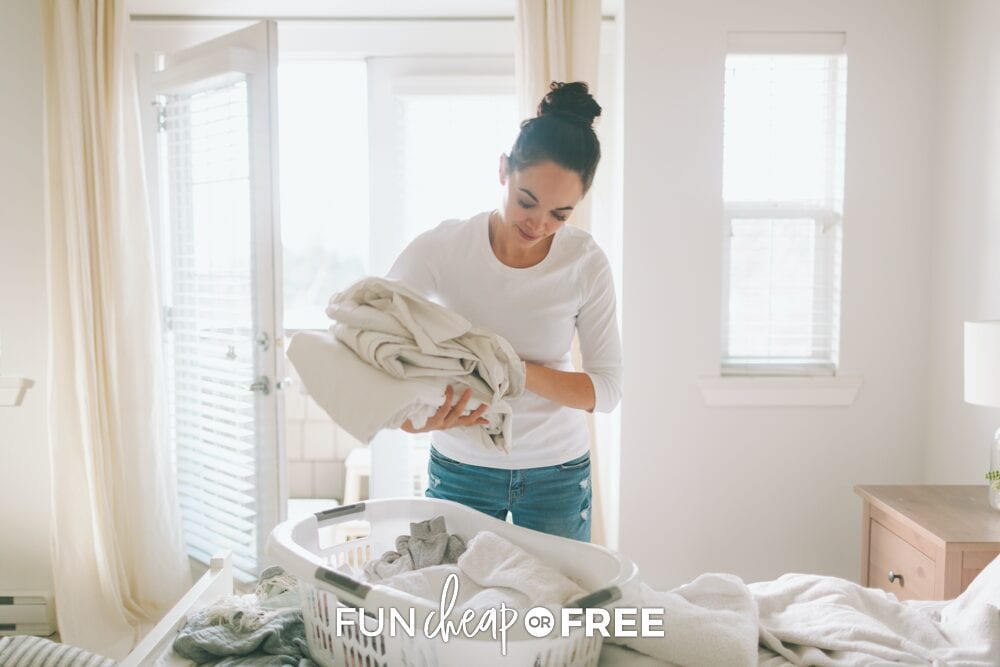 Be mindful in all of the tasks that you do throughout the day and you'll find that you're more productive and are enjoying your day more! Tips from Fun Cheap or Free