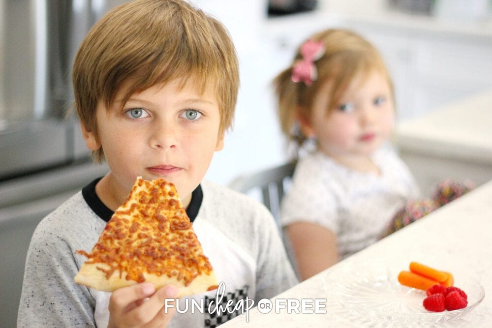 Kids eating pizza, from Fun Cheap or Free