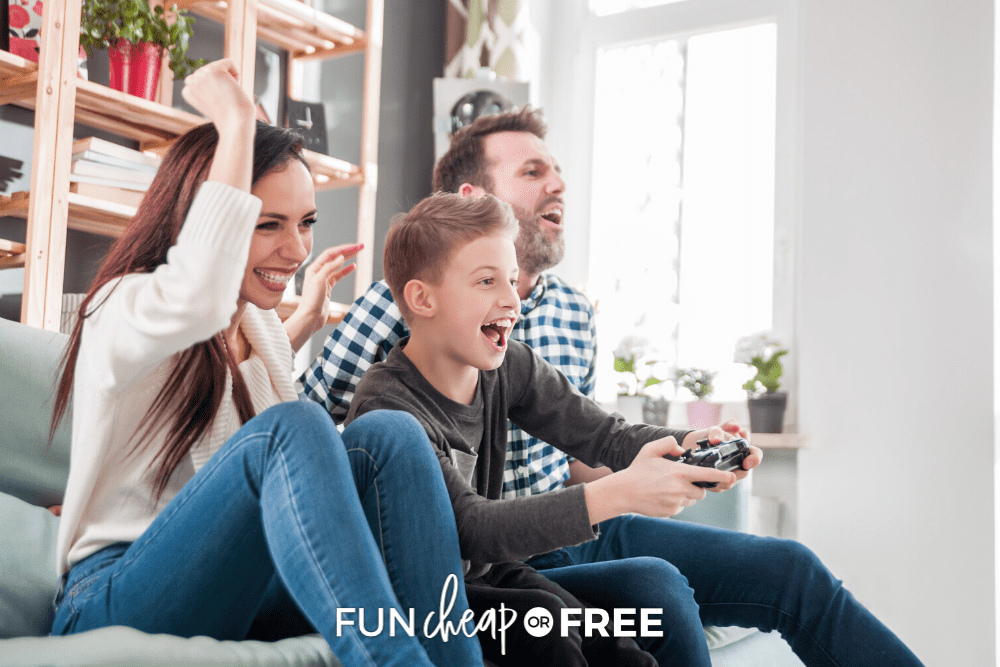 Stay connected to long distance friends and family via online games. Get MORE ideas from Fun Cheap or Free!