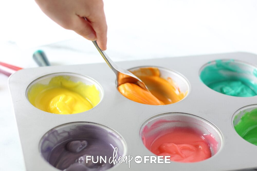 Edible finger paint using PUDDING! Recipe from Fun Cheap or Free