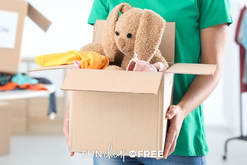 Get the kids involved! Have them go through their stuffed animals and donate them to others who need them more - Service project ideas from Fun Cheap or Free
