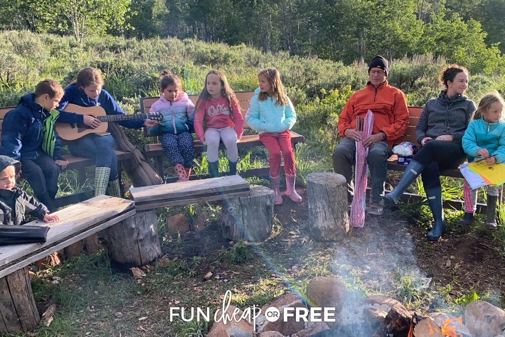 """Have an """"activities director"""" to be in charge of deciding what activities you should do together - Tips on planning a family reunion from Fun Cheap or Free"""