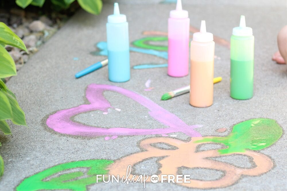 Sidewalk paint makes for the best free play outside! Tips from Fun Cheap or Free