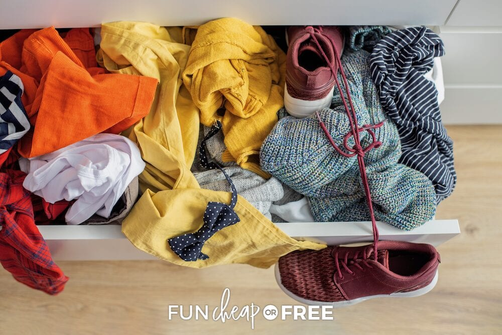 Need help to know how to organize kids' clothes? Get the most out of your hand-me-downs at Fun Cheap or Free!